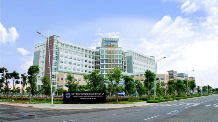 Bệnh viện quốc tế liền kề căn hộ Moonlight Boulevard bình tân